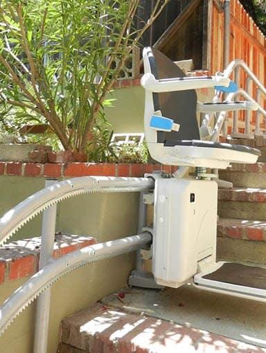 Außentreppenlift Minivator 2000
