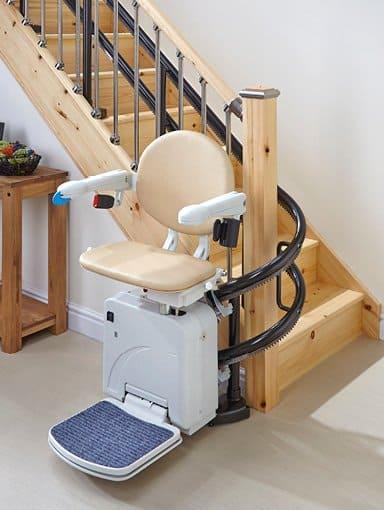Kurvige Treppenlifte Minivator 2000